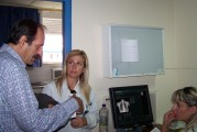 2010/10/20: Ο Β. Χατζηλάμπρου με συναδέλφους του στο Ακτινολογικό Τμήμα του νοσοκομείου Μεσολογγίου.