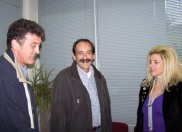 2010/10/20: Ο Β. Χατζηλάμπρου και ο Κ. Κούστας με τη διευθύντρια του ΙΚΑ Μεσολογγίου Μ. Μπακοδήμου.