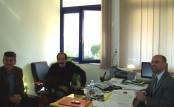 2010/10/29: Οι Β. Χατζηλάμπρου και Κ. Κούστας με τον διοικητή του νοσοκομείου Αγρινίου.