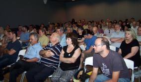 """2014/07/11: Στιγμιοτυπο απο την ημεριδα της Αντιστασης Πολιτων Δυτ. Ελλαδας """"Υδρογονανθρακες: Μυθοι και πραγματικοτητα"""""""