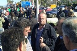 2013/02/01: Ο Β. Χατζηλαμπρου στο αγροτικο μπλοκο στην Κατω Αχαγια