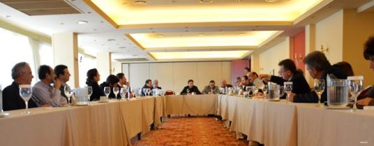 2013/03/13: Ο Β. Χατζηλαμπρου (δευτερος απο αριστερα) στη συσκεψη της Ενωσης Ιδιοκτητων Ημερησιων Επαρχιακων Εφημεριδων για το σχεδιο «Αθηνα»