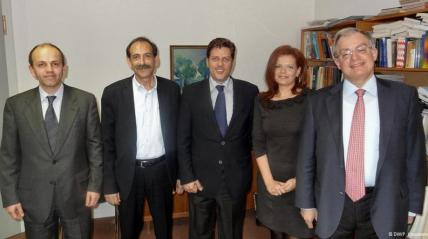 2013/04/16: Η αντιπροσωπεια της Διαρκους Επιτροπης Εθνικης Αμυνας και Εξωτερικων Υποθεσεων της Βουλης στην ελληνικη πρεσβεια στο Βερολινο