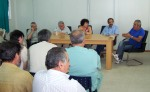 2013/07/25: Στιγμιοτυπο απο τη συναντηση του κλιμακιου του ΣΥΡΙΖΑ με εργαζομενους και γιατρους στο νοσοκομειο Αμαλιαδας