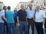 2013/09/07: Ο Β. Χατζηλαμπρου με τον προεδρο και τον γραμματεα του Εμπορικου Συλλογου Πατρων, Γ. Ρωρο και Γ. Μπαλαρη αντιστοιχα, στη διαδηλωση της ΔΕΘ
