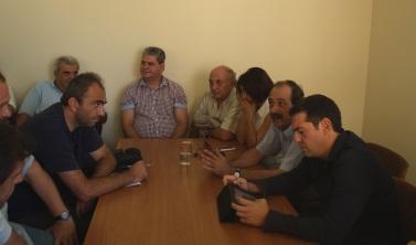 2013/09/07: Απο τη συναντηση του κλιμακιου του ΣΥΡΙΖΑ, με επικεφαλης τον Αλ. Τσιπρα, με τους εργαζομενους στην ΕΛΒΟ