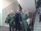 """2013/11/28: Με τον αρχηγο ΓΕΝ, αντιναυαρχο Ε. Αποστολακη (αριστερα), και τον αρχηγο ΓΕΑ, αντιπτεραρχο Ε. Τουρνα, μετα το περας της ασκησης """"Νυχτερινη Αστραπη"""""""