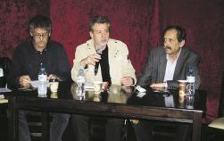 2014/02/23: Απο αριστερα: Κ. Κουστας, Θ. Γαλατας και Β. Χατζηλαμπρου κατα τη συσκεψη στο Αγρινιο με θεμα τις περιφερειακες εκλογες