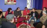 2014/03/08: Απο αριστερα: Η βουλευτης Ηλειας Εφη Γεωργοπουλου-Σαλταρη και ο Β. Χατζηλαμπρου συζητουν με κτηνοτροφους στο Γουμερο