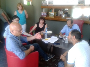 2014/06/24: Οι βουλευτες Δ. Κοδελας, Εφ. Γεωργοπουλου-Σαλταρη, Β. Χατζηλαμπρου μαζι με τον Δ. Μπαξεβανακη σε συναντηση με αγροτικη ενωση στην Ηλεια