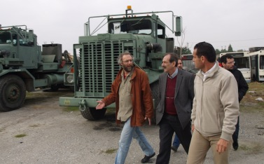 2014/11/03: Στιγμιοτυπο απο την ξεναγηση στις εγκαταστασεις της Ελληνικης Βιομηχανιας Οχηματων (ΕΛΒΟ) στη Θεσσαλονικη
