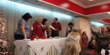 """2015/01/09: Συγκινητικη ατμοσφαιρα στην εκδηλωση του Ομιλου Εθελοντων κατα του καρκινου """"ΑγκαλιαΖΩ"""", οπου ο Β. Χατζηλαμπρου συναντησε συναδελφους απο το νοσοκομειο"""