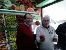 2015/01/17: Στιγμιοτυπο απο περιοδεια του Β. Χατζηλαμπρου και κλιμακιου του ΣΥΡΙΖΑ στο Αιγιο