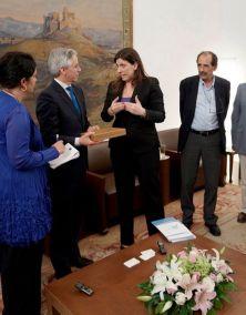 2015/06/19: Απο τη συναντηση του αντιπροεδρου της Βολιβιας Αλβαρο Γκαρσια Λινερα με την προεδρο της Βουλης