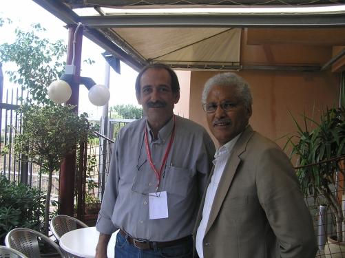 2010/10/07: Αναμνηστική φωτογραφία στο τέλος της συνάντησης με τον Mohamed Sidati, εκπρόσωπο του Μετώπου Πολισάριο στην Ευρώπη.