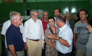 Οι βουλευτές του ΣΥΡΙΖΑ επισκέφθηκαν τα εντυπωσιακά σε εξοπλισμό τμήματα παραγωγής και ελέγχου της μονάδας, καθώς και την έκθεση αμυντικού υλικού που παράγει το εργοστάσιο