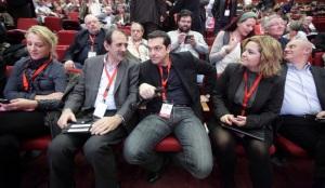 Ρ. Δουρου, Β. Χατζηλαμπρου και Αλ. Τσιπρας κατα τις εργασιες του 4ου συνεδριου του Κομματος Ευρωπαϊκης Αριστερας στη Μαδριτη
