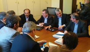Στη συνάντηση υπογραμμίστηκε ότι η ΚΟ του ΣΥΡΙΖΑ θα συνεχίσει να συμβάλει στην υλοποίηση των δεσμεύσεων που αφορούν την Τοπική Αυτοδιοίκηση